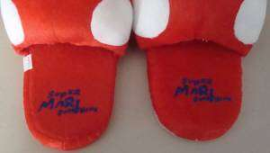 SUPER MARIO BROS OPEN RED MUSHROOM SLIPPERS U.S. SELLER