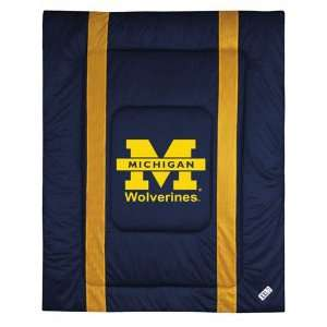 Michigan Wolverines Sideline Comforter   Full/Queen Bed