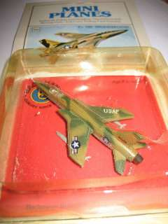 BACHMANN MINI PLANES F 105 THUNDERCHIEF 96#