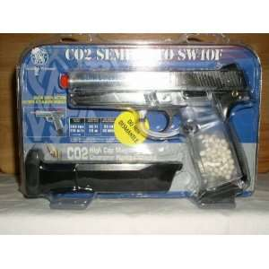 Smith & Wesson CO 2 Airsoft Pistol