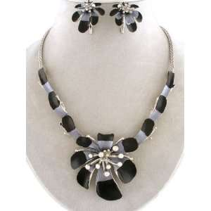 Jewelry ~ Large Flower Pendant Necklace and Earrings Set Sports