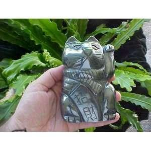 A8601 Gemqz Hematite Lucky CAT Left PAW Wow