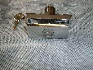 FLEETWOOD POP UP ENTRY DOOR / STEP LOCK WITH KEY   NOS OEM 4730C3111