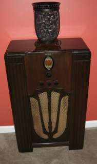 1936 Philco 610 AM / POLICE BAND / SHORTWAVE Radio**RESTORED**