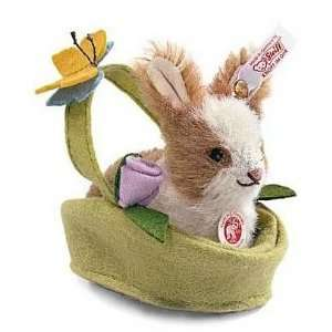 Steiff Rabbit in a Basket Plush [Toy] [Toy]: Toys & Games