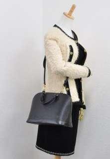 LOUIS VUITTON Alma Black Epi leather Hand Bag with strap E888