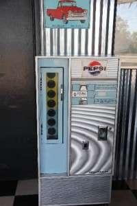 RARE Vintage 15 cent 60s Pepsi Soda Vending Machine